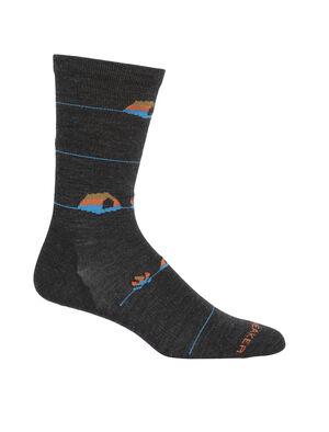 Homme Merino Lifestyle Ultralight Crew Socks Backcountry Camp Les chaussettes grammage ultra-léger Lifestyle Backcountry Camp sont composées d'un mélange extensible et haut de gamme à base de laine mérinos, avec des renforts au talon et aux orteils; elles sont douces, très légères et respirantes, pour un confort quotidien.