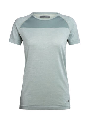 Womens Cool-Lite™ Merino Motion Seamless Short Sleeve Crewe T-Shirt  The Motion Seamless Short Sleeve Crewe is a lightweight and technical women's merino wool training base layer with incredible breathability, stretch, and wicking performance.