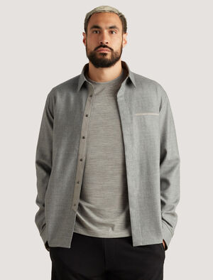 Mens icebreaker City Label Merino Shirt A tailored design in 100% merino wool, the Merino Shirt is made for your urban life on the move, with its soft and breathable fabric and attention to detail.