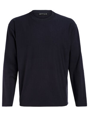 Mens 旅 TABI Micro-Terry laidback Long Sleeve Crewe A relaxed-fit men's merino wool fleece sweatshirt for travel and everyday style, the Micro-Terry laidback Long Sleeve Crewe is part of our 旅 TABI collection, a collaboration with Japanese apparel house GOLDWIN.