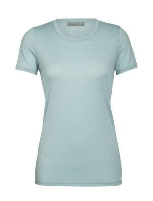 Femme Ras du cou échancré à Tech Lite  Notre t-shirt technique en mérinos le plus polyvalent, le ras du cou bas à manches courtes Tech Lite est extensible, très respirant et résistant aux odeurs. Il convient à toutes les aventures imaginables.