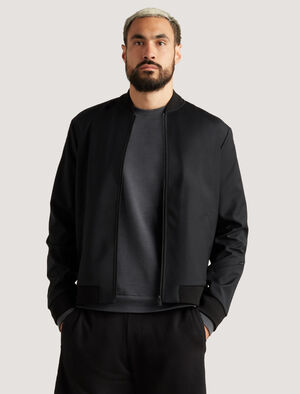 Mens icebreaker City Label Cool-Lite™ Merino Bomber Jacket Designed for comfort and layering up across town, the Merino Bomber Jacket is a versatile staple piece made with naturally breathable fibres.