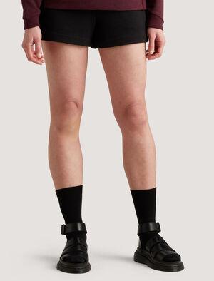 女款 icebreaker城市系列美丽诺羊毛轻盈短裤 这款美丽诺羊毛轻盈短裤非常适合早晨跑步或周日放松时穿着,以透气防臭的美丽诺羊毛纤维制成,加入少量LYCRA®莱卡更添弹性。