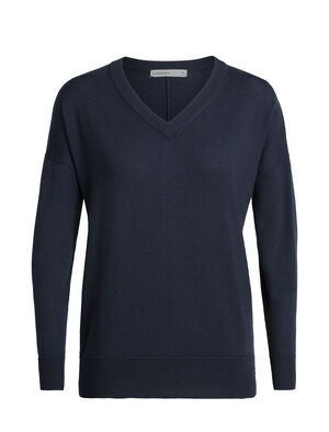 Womens Shearer V Sweater A stylish women's merino wool V-neck sweater designed for everyday comfort, the Shearer V Sweater features 100% merino wool for breathability, softness and odor-resistance.