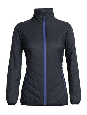 女款 MerinoLOFT™ Hyperia Lite夹克 Hyperia Lite夹克在天然美丽诺羊毛保暖层的基础上搭载先进的技术性能,将御寒保暖、轻盈可收纳和全面防护出色结合,为冷天进行登山、滑雪和徒步旅行等活动提供更有效的保暖防护。Hyperia夹克的Pertex® Quantum Air外层面料超轻但耐穿,并采用DWR持久防水涂层,可抵御多变的天气条件。内里使用创新的MerinoLOFT™保暖层——一种以全天然美丽诺羊毛制成、高蓬松度的环保型合成填充物替代品(再生材料高达10%)。MerinoLOFT可以在潮湿的条件下保暖,并且有助于自然调节体温,让您无论是在当地攀岩还是越野探险时都倍感舒适温暖。拉链插手口袋和一个存放小件随身物品的内部拉链口袋、偏移肩缝可避免在背包活动时背包擦伤皮肤、夹克可以叠放在内置口袋中,便于收纳携带。