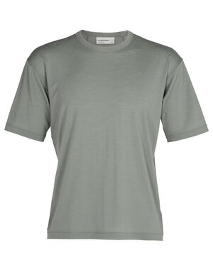 Mens Merino 150 Big Tee A relaxed-fit men's T-shirt made with our soft and durable jersey corespun fabric, the 150 Big Tee is super comfortable in an everyday style with the natural benefits of merino.