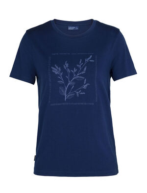 Womens Nature Dye Merino Sisao Short Sleeve Crewe T-Shirt Indigo Our classic regular-fit T-shirt made with all-natural, 100% merino wool, the Sisao Short Sleeve Crewe Indigo is dyed using natural plant pigments. The tee's original artwork highlights the plant that provides its rich hue.