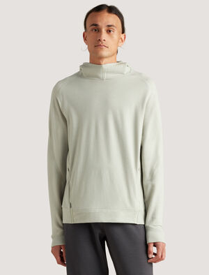 Mens icebreaker City Label Merino Hoodie The warm and breathable Merino Hoodie is perfect for life on the move - across town or time zones. In naturally odor-resistant merino, it includes zippered hand pockets for safely stowing small items.