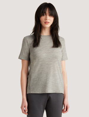 Womens icebreaker City Label Merino T-Shirt A clever tee with hidden storage, the Merino T-Shirt has a zippered pocket in the side seam and feels lightweight and breathable in naturally odor-resistant merino wool, for comfort on the move.