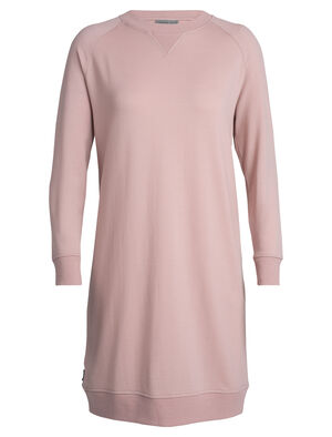 Womens Merino Lydmar Dress A relaxed-fit dress for laidback style every day and winter layering, the Lydmar Dress is made with our signature RealFLEECE® fabric, a blend of 87% merino wool corespun for durability.