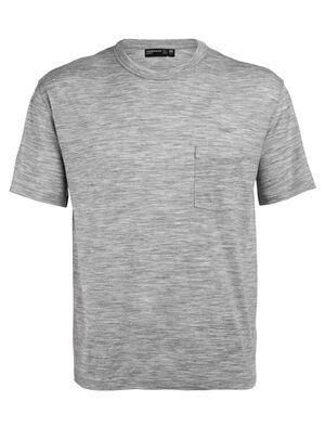 男款 Tech Lite休闲短袖圆领上衣 带口袋 Tech Lite休闲短袖圆领上衣(带口袋)选用柔软耐穿的美丽诺羊毛平纹针织包芯面料,打造休闲剪裁的日常理想T恤。